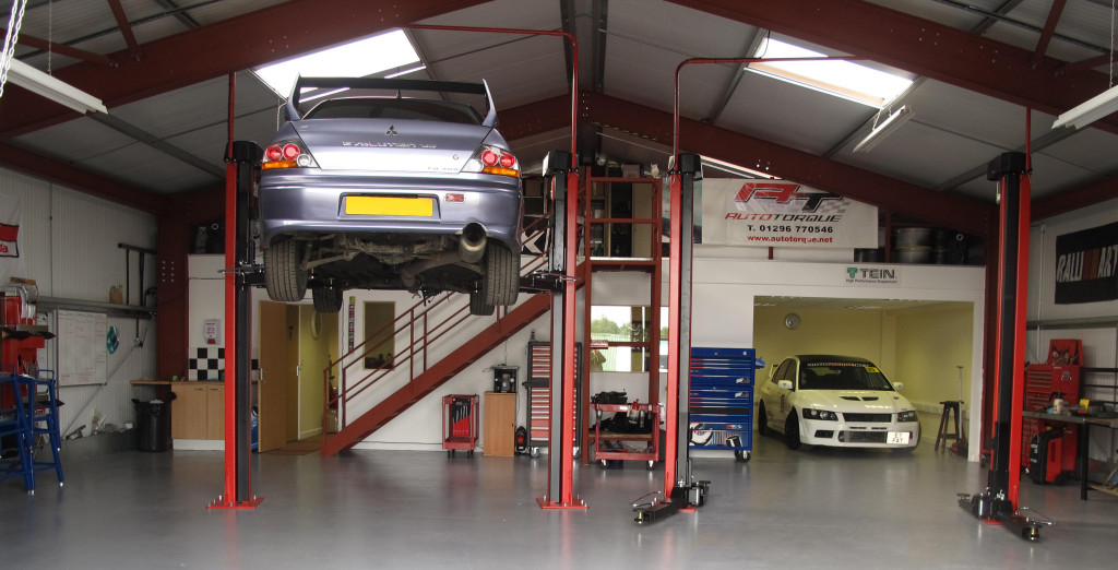 Quality car maintenance and repairs auto torque for Garage reparation auto
