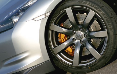 Nissan GTR R35 Brakes options