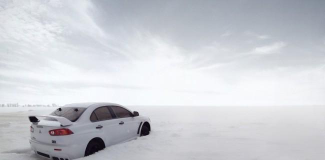 Auto___Mitsubishi_Mitsubishi_Evo_X_in_the_snow_046340_14